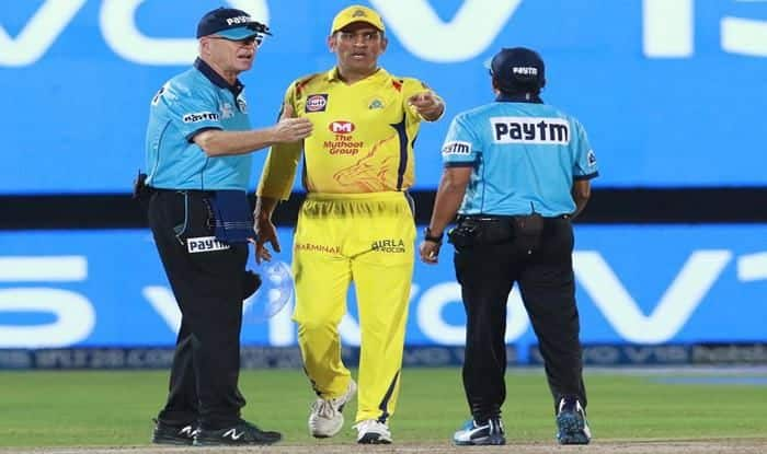MS Dhoni's tiff with the umpires during IPL 2019 season_Picture Credits-Twitter