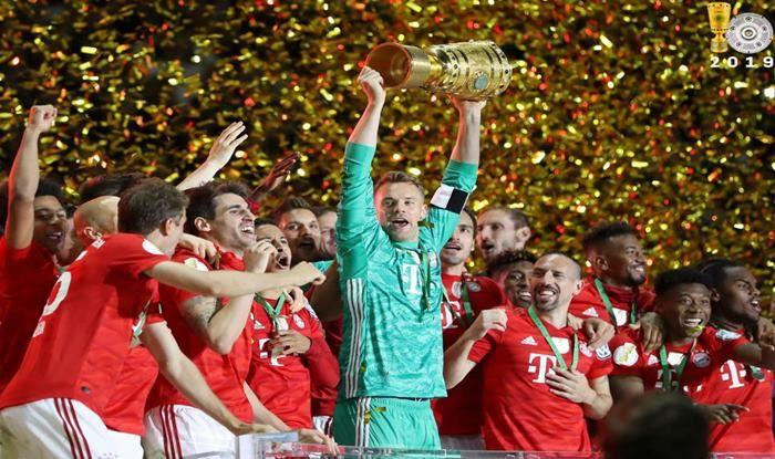 Manuel Neuer celebrates Bayern Munich's double_Picture Credits-Twitter