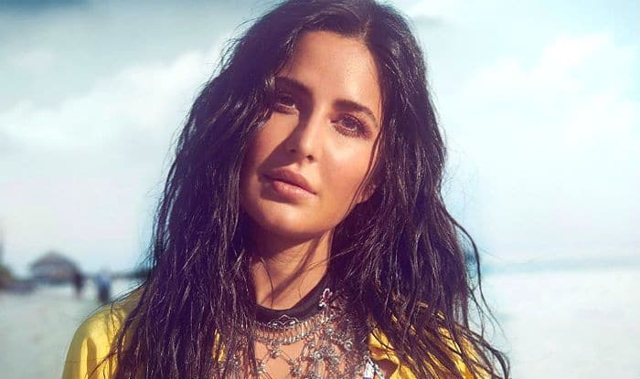 Katrina Kaif's Fan Looses Calm While Clicking Selfie at Airport, Actor Handles it Like a Boss, Watch