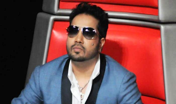 After Performance in Karachi, All India Cine Workers Association Bans Mika Singh From The Indian Film Industry