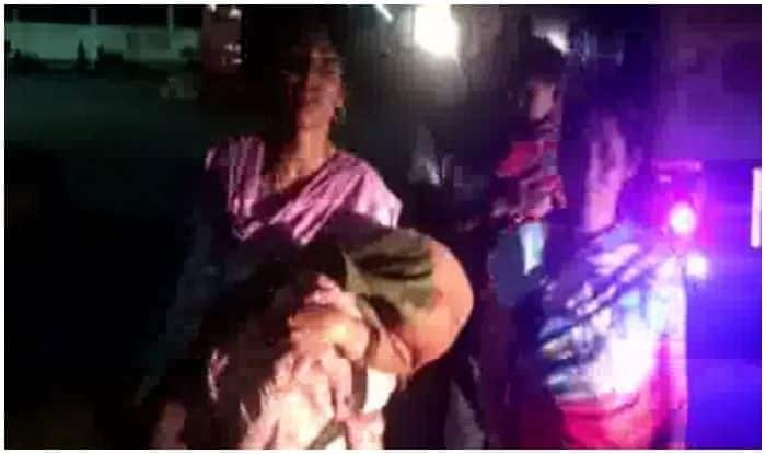 UP Woman Forced to Carry Son's Body as Hospital Denies Help