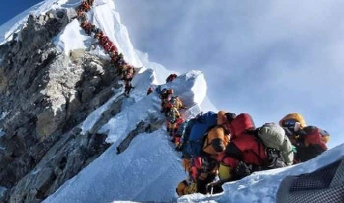 Two Indian's die after getting stuck in a traffic jam in Mt Everest