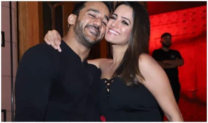 Rohit Reddy-Anita Hassanandani Raise The Bar For Couple Goals, Look Smoking Hot While Twinning in Black