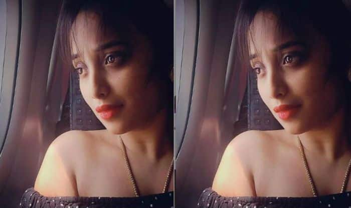 Bhojpuri Bomb Rani Chatterjee Seductively Poses For Camera in Off Shoulder Top, See Pic