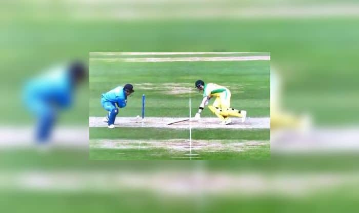 MS Dhoni,MS Dhoni Stumping,MS Dhoni run out, Steve Smith, Ind vs Aus, Aus vs Ind, ICC Cricket World Cup 2019, ICC World Cup 2019, Indian Cricket Team, Team India, Kennington Oval, Cricket News