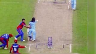 Gulbadin Naib Tries to Stop Eoin Morgan From Taking Single During ICC Cricket World Cup 2019 Match Between England And Afghanistan | WATCH VIDEO