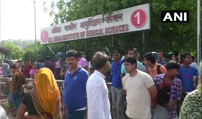 Doctors at AIIMS, Safdarjung in Delhi Boycott Work, IMA Members to Sport Black Badges Today Over Kolkata Hospital Violence
