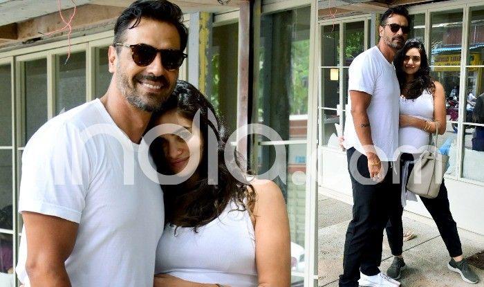 Arjun Rampal's Girlfriend Gabriella Demetriades Flaunts Baby Bump as She Twins With Beau