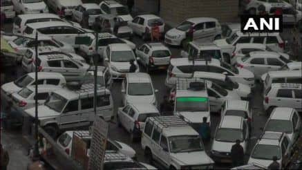 Himachal, Uttarakhand Struggle With Influx of Tourists as Heatwave Grips Delhi-NCR   See Pics