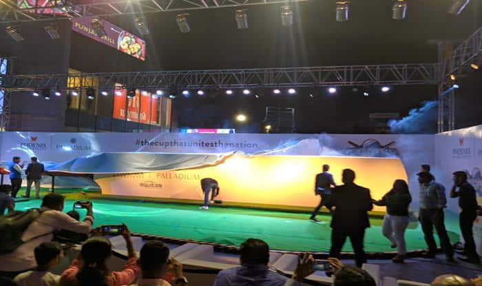 ICC Cricket World Cup 2019, World Cup 2019, Kapil Dev, Kapil Dev unveils largest cricket bat, World's Largest Cricket Bat, Cricket Bat, Guinness World Record, Cricket News, Kapil Dev World Cup