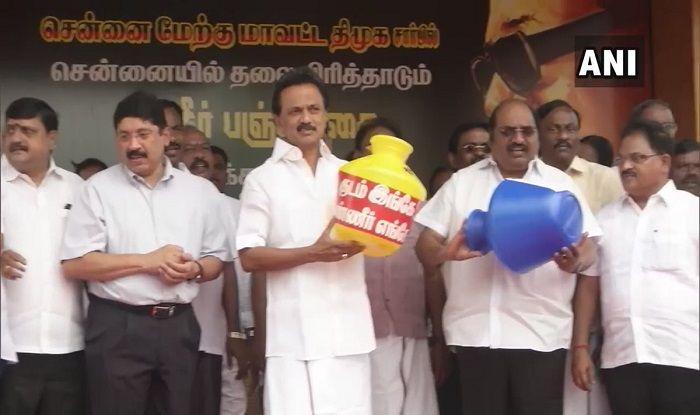 MK Stalin Joins DMK Workers in Chepal Over Tamil Nadu's Water Crisis