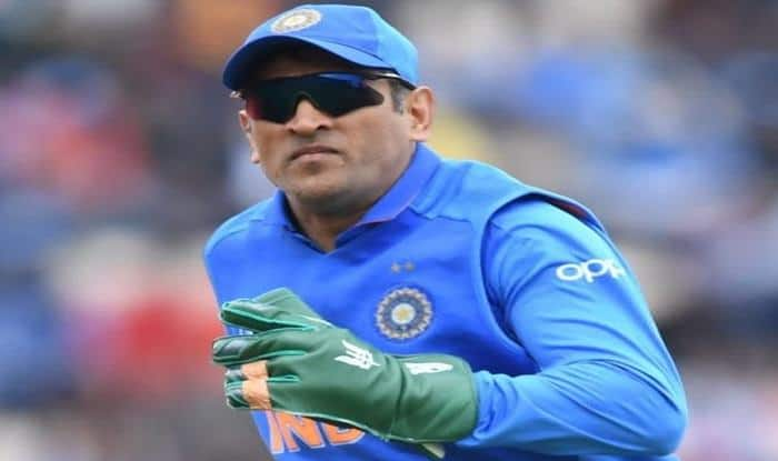 MS Dhoni, World Cup 2019, Dhoni flaunts Insignia badge, Army Insignia, Dhoni wicket-keeping gloves, ICC Cricket World Cup 2019, India vs South Africa, Cricket News