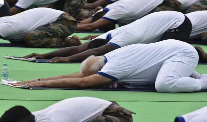 PM Modi Performs Yoga With Thousand of Enthusiasts in Ranchi