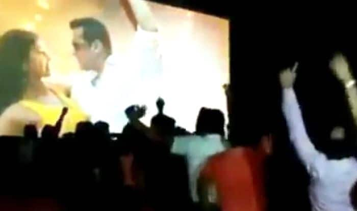 Bharat: Video of Fans Going Crazy For Salman Khan Inside Theatre is Proof of Bhai's Superstardom
