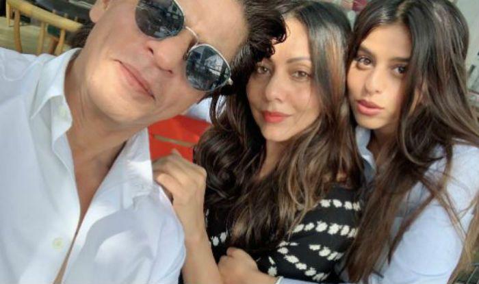 Shah Rukh Khan along with Suhana Khan and Gauri Khan