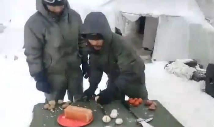 Soldiers in Frozen Siachen Break Eggs With Hammers, Video Goes Viral
