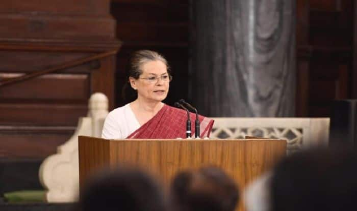 Sonia Gandhi Elected Leader of CPP at Parliamentary Meet; Rahul Says Congress Will Fight to Defend Constitution of India