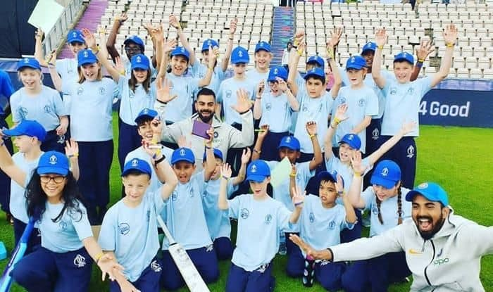 Virat Kohli, Kohli spends time with kids, ICC Cricket World Cup 2019, ICC World Cup 2019, KL Rahul, Hardik Pandya, Rahul-Pandya spend time with school kids, World Cup 2019, Team India, Cricket News, Virat Kohli World Cup 2019, Virat Kohli School Kids, Promotional Event