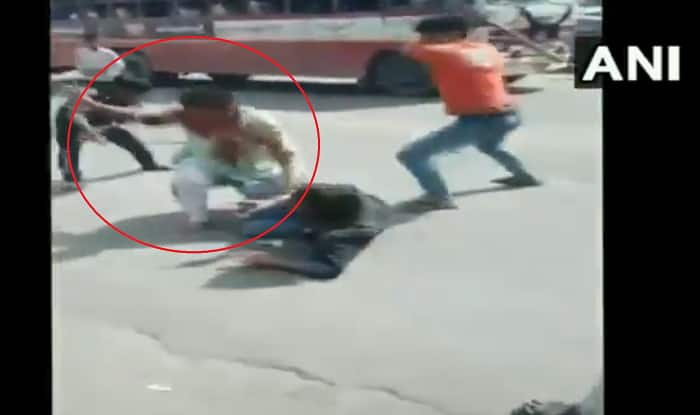 UP: 2 Army Jawans Brutally Thrashed on Road After Scuffle Breaks Out in Baghpat Restaurant