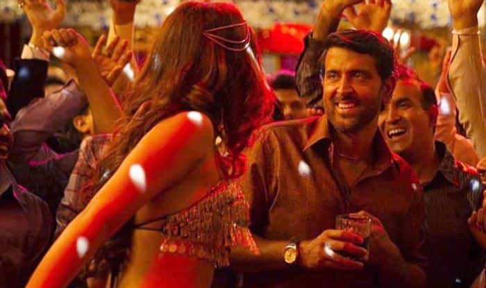 Screenshot from Super 30 song 'Paisa'