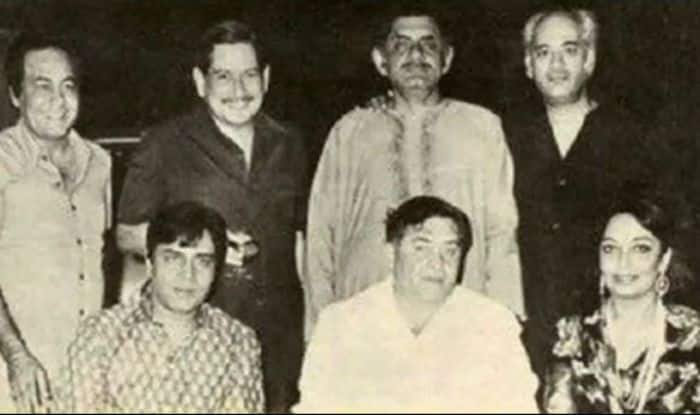 Karan Johar Shares a Vintage Photo of Yash Johar With Raj Kapoor, Sadhana And Anand Bakshi