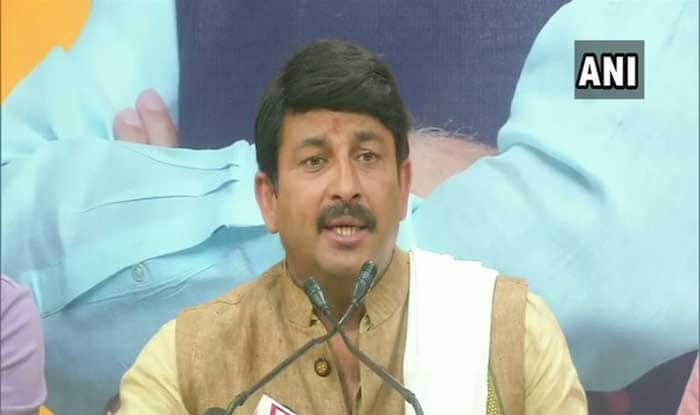 After PM Modi's Niece Gets Robbed, Manoj Tiwari Blames Kejriwal For Rising Crimes in Delhi