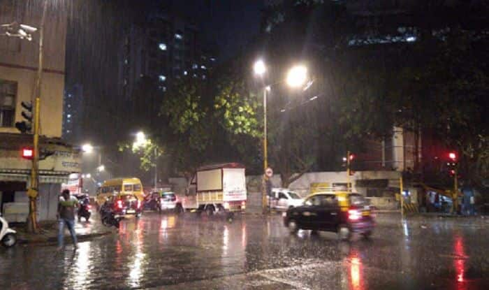 Mumbai Gets Relief From Heatwave as Rains Lash Ghatkopar, Gowandi, Bhandup, Mulund Area