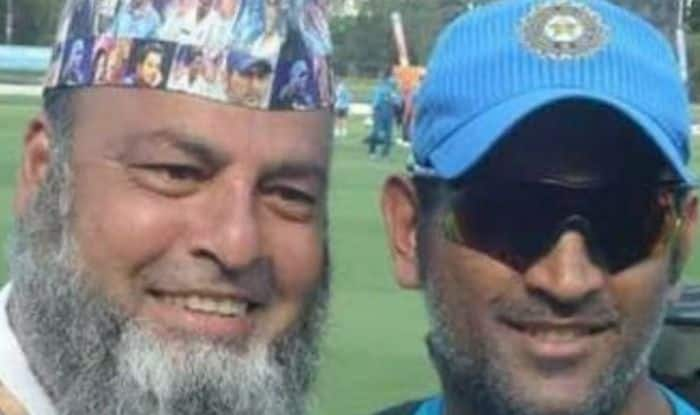 Chacha Chicago with MS Dhoni.