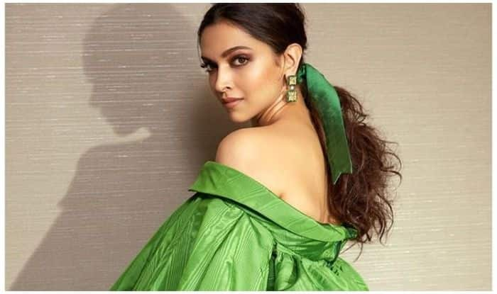 Deepika Padukone Cracks up Fans by Taking a Dig at Her Own Parrot Green Outfit For Award Function