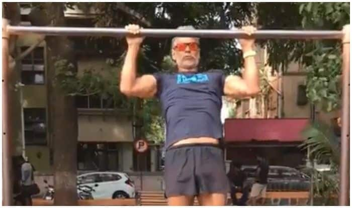 Milind Soman's Sultry Slow-Pullups Session is All You Need to Focus on Your Fitness Goals This Week!