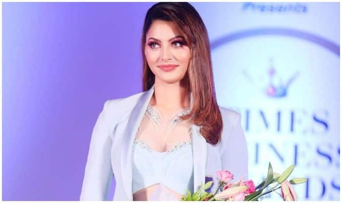 Urvashi Rautela's Sizzling Look in Pant-Suit Turns up The Heat at Business Awards And THESE Pictures Are Proof!