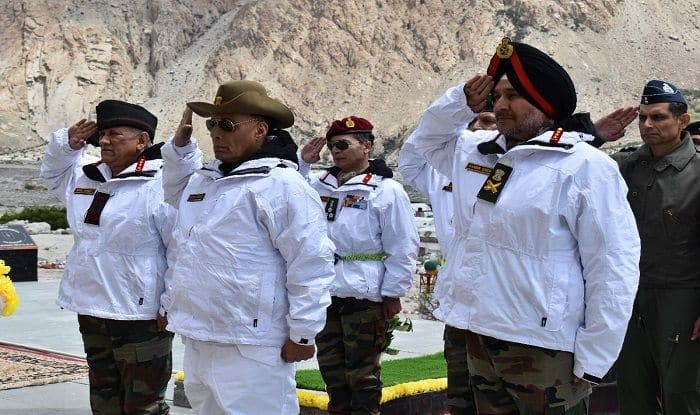 Give Befitting Reply to Pakistan's Misadventure: Defence Minister Rajnath Singh to Troops at Siachen