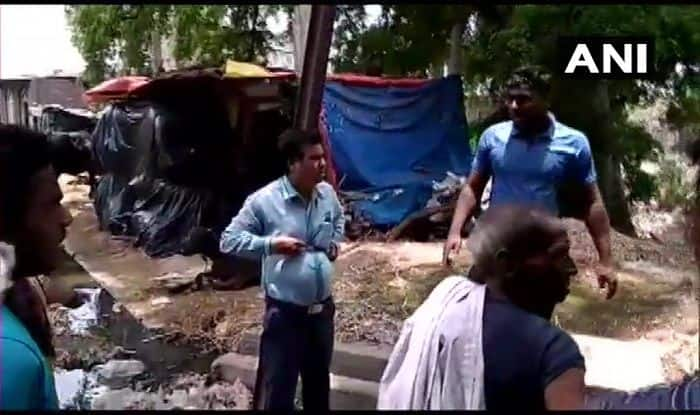 MP: Irate Villagers Tie Gram Panchayat Secy to Electric Pole Over Unfinished Work