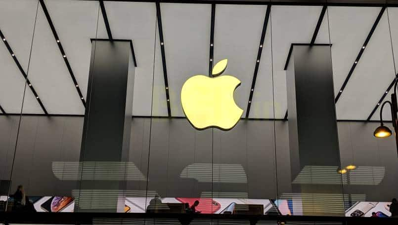 Apple bounces back in India, clocks double-digit growth
