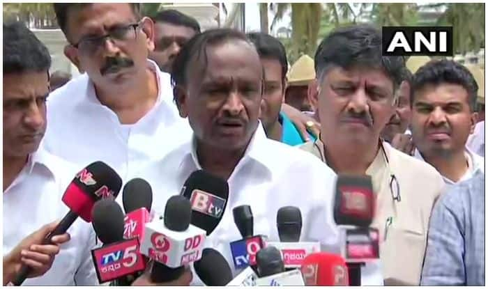 Karnataka: Rebel Congress MLA Meets DK Shivakumar, Assures to Reconsider Resignation