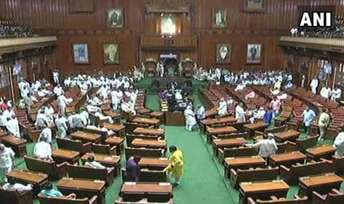 Karnataka Crisis Deepens: Speaker Disqualifies 14 Rebel MLAs, BJP Moves Its MLAs to Resort Ahead of Trust Vote