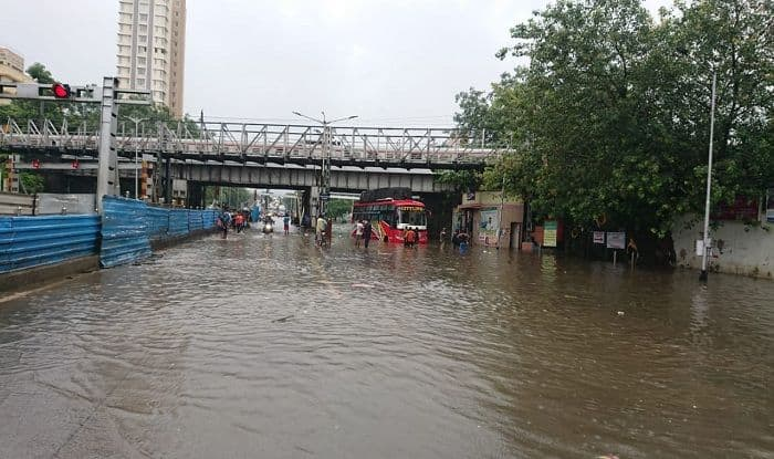 Mumbai Rains: Record Downpour Cripples City, 25 Killed; Over 100 Flights Cancelled, Schools Shut