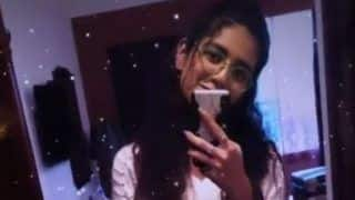 Malayalam Hot Actor Priya Prakash Varrier Takes Mirror Selfie, Her Contagious Smile And Nerdy Specs Will Steal Your Heart