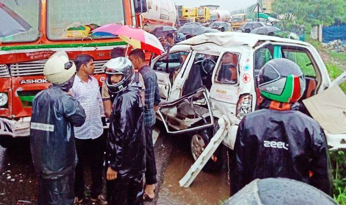 Karnataka: 4 Dead, 2 Injured After Car Collides With LPG Tanker in Mangaluru