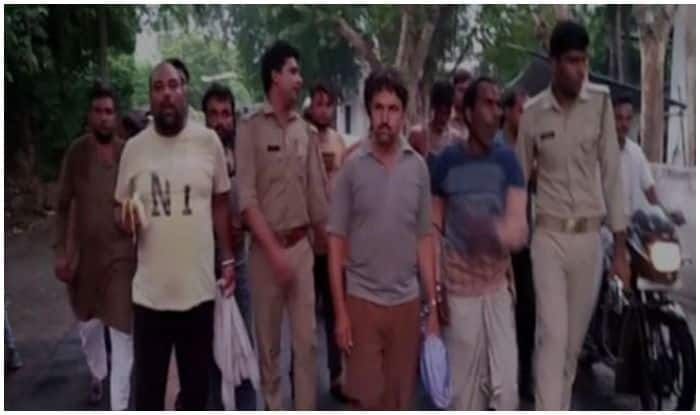 Aligarh: Arrested Men Eat Bananas En Route Jail, Police Says Matter Will be Probed