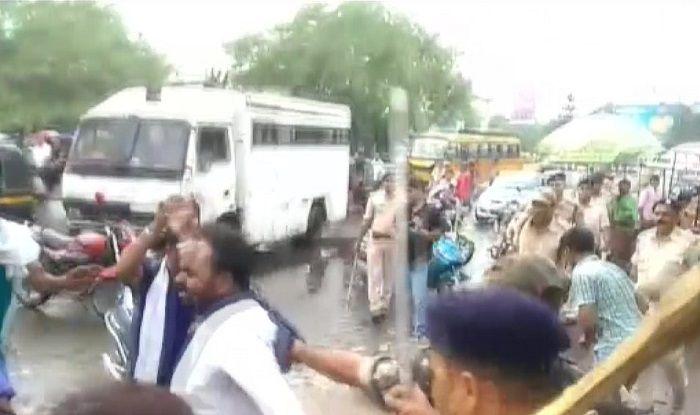 Bhim Sena Members Demand 'Article 15' be Screened at Patna Theatre, Police Lathicharge Them