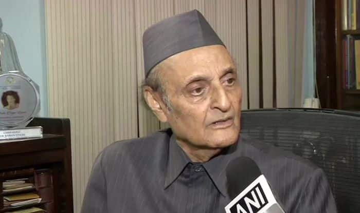 Cong Veteran Dr Karan Singh Says he's 'Aghast' Over Confusion, Delay in Finding Rahul Replacement