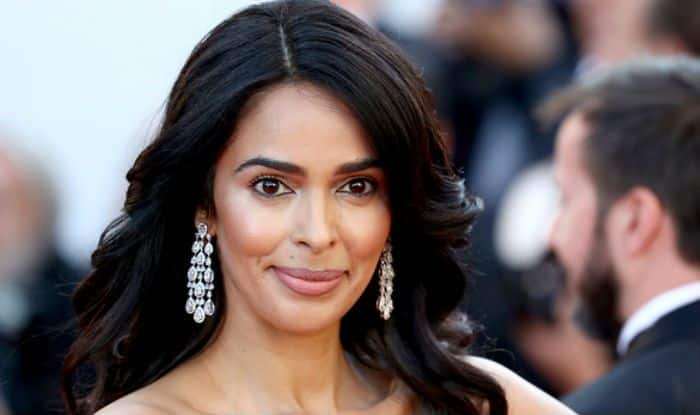 Mallika Sherawat Reveals That a Producer Once Wanted to Fry Eggs on Her Belly