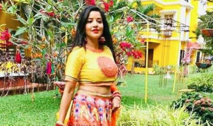 Bhojpuri Hottie And Nazar Actor Monalisa Raises The Temperature in Sexy Lehenga