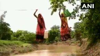 VIDEO: एमपी के एक गांव के लोग जान हथेली पर रखकर रस्सियों के सहारे ऐसे गुजरते हैं