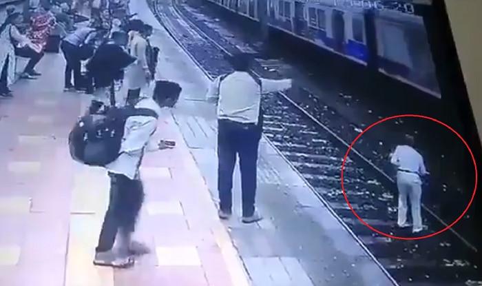 Heroic Cop Jumps Off Platform to Spoil Suicide Bid of 64-year-old | Watch