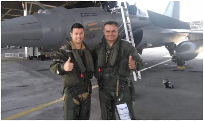Indian Air Force, Armée de l'Air Pilots Take Selfies While Flying Rafale, Sukhoi Su-30 MKI Jets