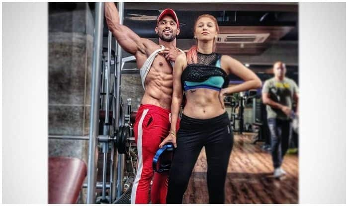 Bigg Boss 12 Contestants Jasleen Matharu-Shivashish Mishra Lay Fitness-Couple Goals as They Sweat it Together at Gym
