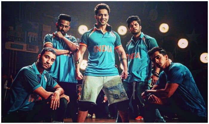 Varun Dhawan Wears Cricket Love on His Sleeves as he Cheers Team India Against New Zealand in World Cup 2019