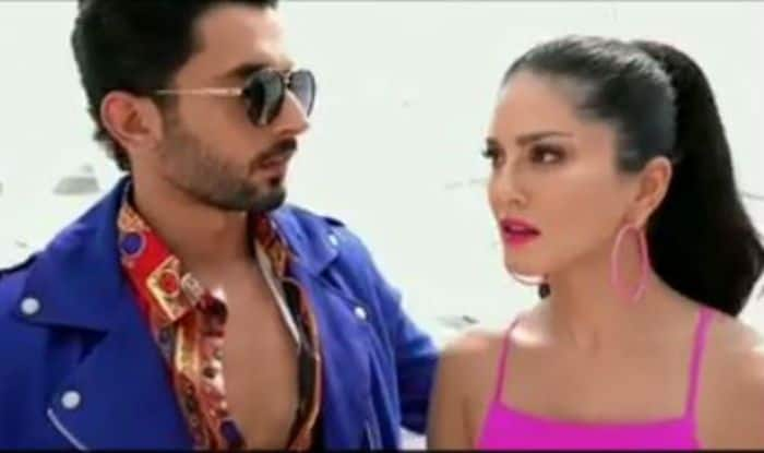 Sunny Leone Fighting With Jhootha Kahin Ka Co-Star Sunny Singh Over Identity Crisis is Cutest Thing on The Internet!